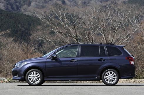 Toyota-Corolla-Fielder-2013-JDM-03