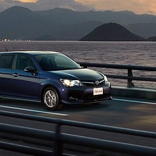 Toyota-Corolla-Fielder-2013-JDM-27
