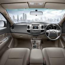 Toyota-Vigo-Champ-D-Cab-Interior