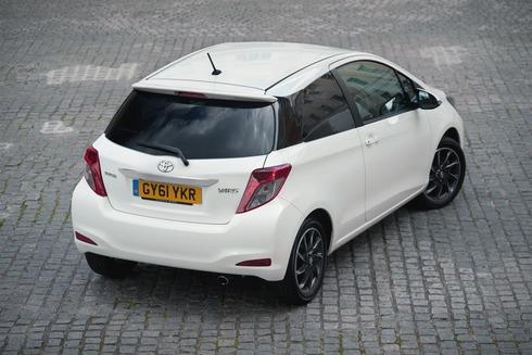 Toyota-Yaris-2013-01