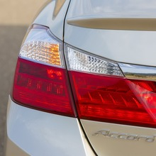2014-Honda-Accord-PHEV_17