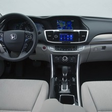 2014-Honda-Accord-PHEV_22