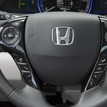 2014-Honda-Accord-PHEV_25