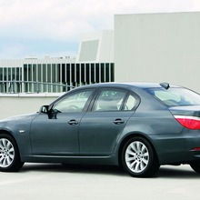 BMW-5-Series-02