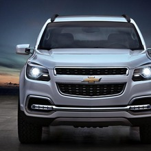 Chevrolet-TrailBlazer-front