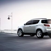 Chevrolet-TrailBlazer-view