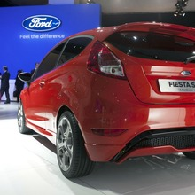 FORD-FIESTA-ST-CONCEPT-23