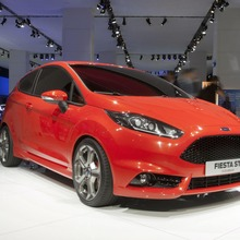 FORD-FIESTA-ST-CONCEPT-24