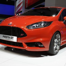 FORD-FIESTA-ST-CONCEPT-26