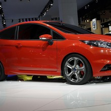 FORD-FIESTA-ST-CONCEPT-27