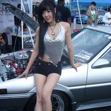 Hwang-Mi-Hee-2011-DTP-Auto-Show-09
