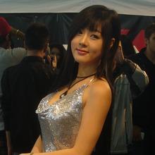 Hwang-Mi-Hee-2011-DTP-Auto-Show-16