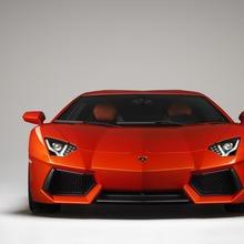 Lamborghini-Aventador-Official-02