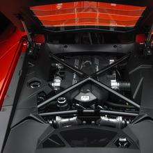 Lamborghini-Aventador-Official-06