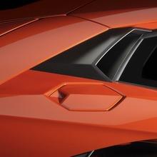 Lamborghini-Aventador-Official-08