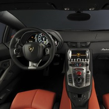 Lamborghini-Aventador-Official-21