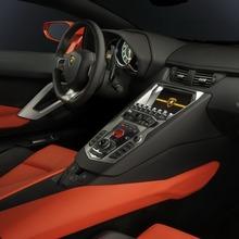Lamborghini-Aventador-Official-23
