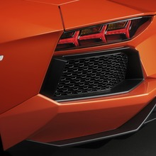 Lamborghini-Aventador-Official-25