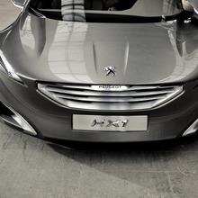 Peugeot-HX1-Concept-37