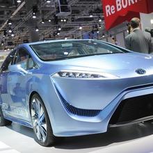 Toyota-FCV-R-10