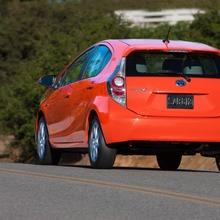 Toyota-Prius-C-09